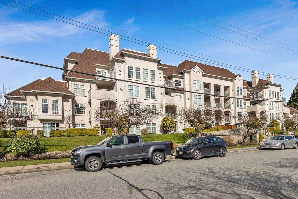 "Main Photo: 402 1655 GRANT Avenue in Port Coquitlam: Glenwood PQ Condo for sale in ""THE BENTON"" : MLS®# R2548196"
