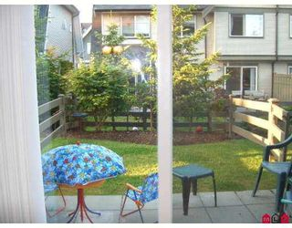 """Photo 5: 77 15871 85TH Avenue in Surrey: Fleetwood Tynehead Townhouse for sale in """"Huckleberry"""" : MLS®# F2716364"""