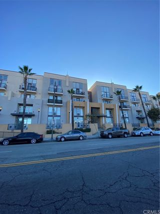 Photo 2: 360 W Avenue 26 Unit 213 in Los Angeles: Residential for sale (C42 - Downtown L.A.)  : MLS®# PW21201289