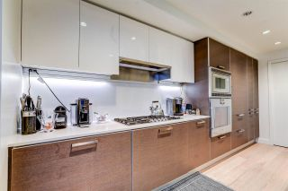 """Photo 11: 2701 1499 W PENDER Street in Vancouver: Coal Harbour Condo for sale in """"West Pender Place"""" (Vancouver West)  : MLS®# R2520927"""