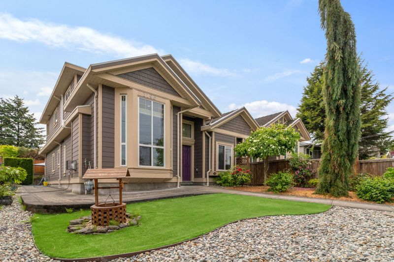 FEATURED LISTING: 3796 MYRTLE Street Burnaby