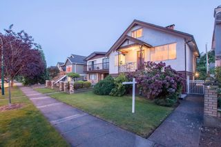 Photo 16: 2460 NAPIER Street in Vancouver: Renfrew VE House for sale (Vancouver East)  : MLS®# R2119733