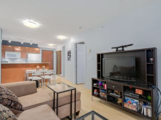 """Photo 4: 803 2763 CHANDLERY Place in Vancouver: Fraserview VE Condo for sale in """"RIVER DANCE"""" (Vancouver East)  : MLS®# R2067616"""