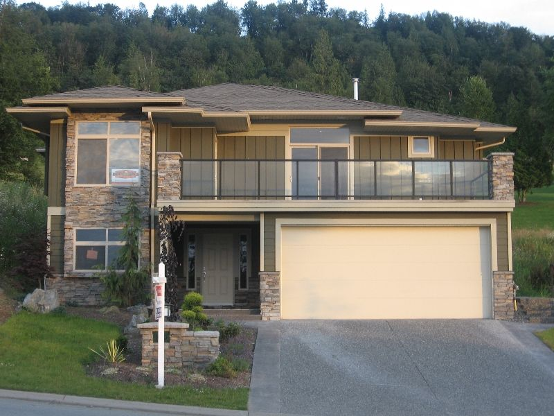 "Main Photo: 160 51075 FALLS Court in Chilliwack: Eastern Hillsides House for sale in ""EMERALD RIDGE"" : MLS®# H2703519"