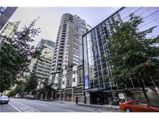 "Photo 1: 1906 1166 MELVILLE Street in Vancouver: Coal Harbour Condo for sale in ""COAL HARBOUR ORCA PLACE"" (Vancouver West)  : MLS®# R2003587"