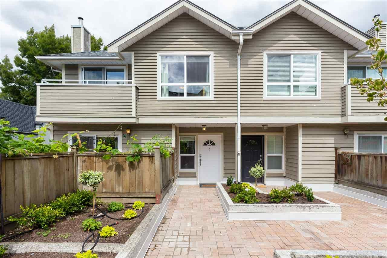Main Photo: 8 849 TOBRUCK AVENUE in North Vancouver: Mosquito Creek Townhouse for sale : MLS®# R2396828
