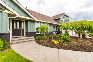 Photo 4: 7570 QUEEN Street in Chilliwack: Sardis East Vedder Rd House for sale (Sardis)  : MLS®# R2572918