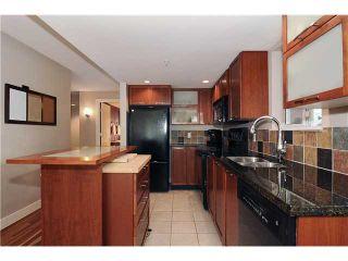 """Photo 2: # 605 2137 W 10TH AV in Vancouver: Kitsilano Condo for sale in """"THE '1'"""" (Vancouver West)  : MLS®# V867959"""