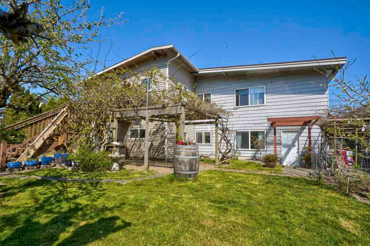 Main Photo: 32036 WESTVIEW Avenue in Mission: Mission BC House for sale : MLS®# R2568098