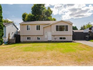 Photo 2: 26690 32A Avenue in Langley: Aldergrove Langley House for sale : MLS®# R2616417