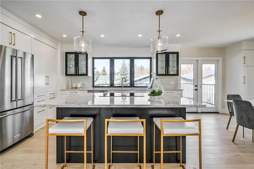 Photo 6: Photos: 5039 BULYEA Road NW in Calgary: Brentwood Detached for sale : MLS®# A1047047