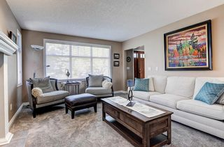 Photo 5: 5631 LODGE Crescent SW in Calgary: Lakeview Detached for sale : MLS®# C4261500