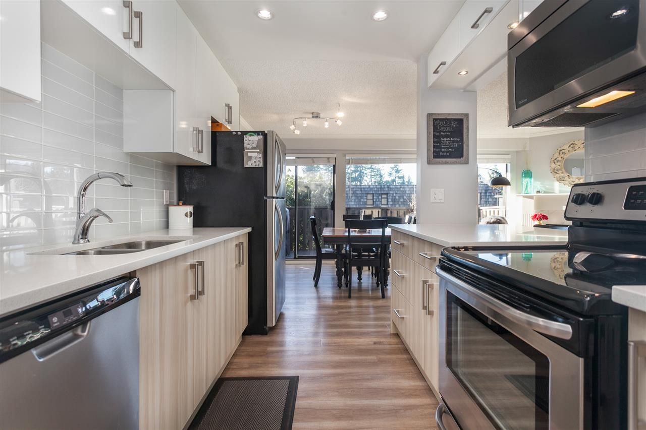 """Photo 7: Photos: 1041 OLD LILLOOET Road in North Vancouver: Lynnmour Condo for sale in """"Lynnmour West"""" : MLS®# R2333528"""