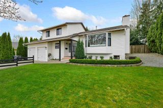 """Photo 2: 17210 62A Avenue in Surrey: Cloverdale BC House for sale in """"GREENAWAY"""" (Cloverdale)  : MLS®# R2559037"""