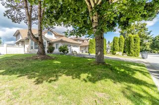 Photo 3: 9031 156A Street in Surrey: Fleetwood Tynehead House for sale : MLS®# R2615984
