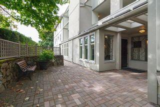 Photo 5: 302 2211 Shelbourne St in : Vi Jubilee Condo for sale (Victoria)  : MLS®# 856216