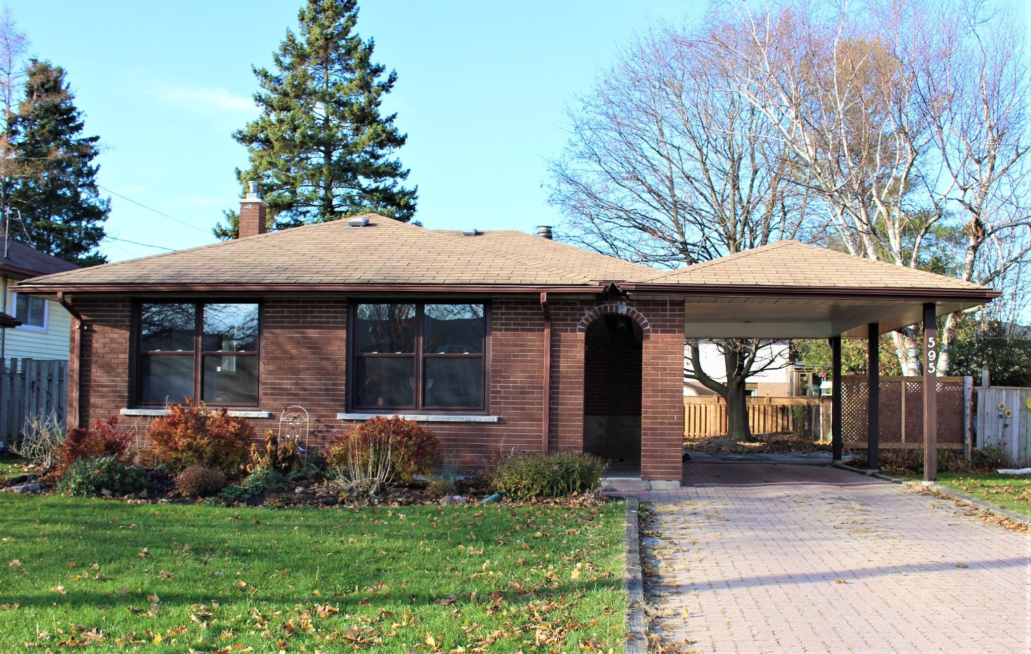 Main Photo: 595 Westwood Drive in Cobourg: House for sale : MLS®# 40044093