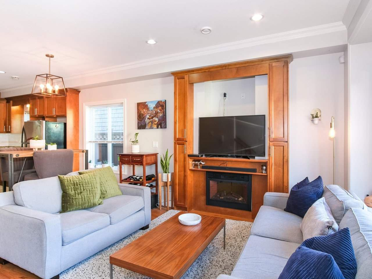 Main Photo: 2151 TRIUMPH Street in Vancouver: Hastings Sunrise 1/2 Duplex for sale (Vancouver East)  : MLS®# R2412946