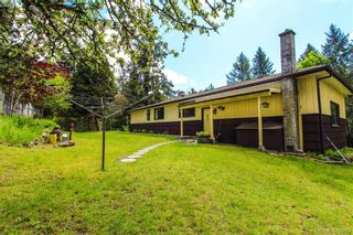 Photo 4: 425 Sparton Rd in VICTORIA: SW Prospect Lake House for sale (Saanich West)  : MLS®# 839475