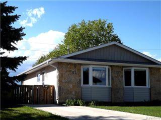 Photo 1: 114 Dubois Place in Winnipeg: Fort Garry / Whyte Ridge / St Norbert Residential for sale (South Winnipeg)  : MLS®# 1613722