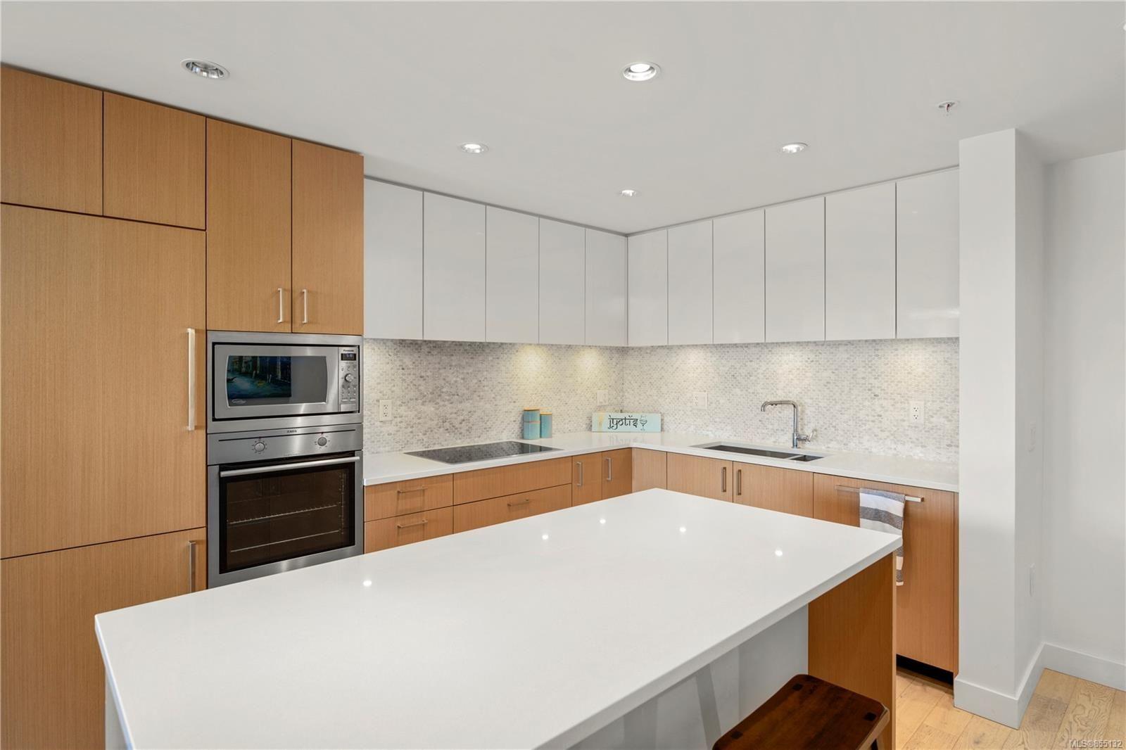 Main Photo: 406 838 Broughton St in : Vi Downtown Condo for sale (Victoria)  : MLS®# 855132