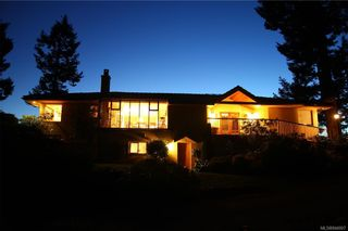 Photo 6: 5802 Pirates Rd in Pender Island: GI Pender Island House for sale (Gulf Islands)  : MLS®# 844907