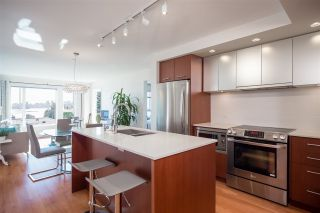 Photo 3: 318 221 E 3RD STREET in North Vancouver: Lower Lonsdale Condo for sale : MLS®# R2206624