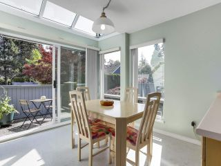 """Photo 11: 24 1925 INDIAN RIVER Crescent in North Vancouver: Indian River Townhouse for sale in """"Windermere"""" : MLS®# R2283604"""