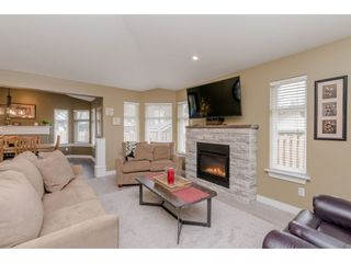 "Photo 4: 5 8555 209 Street in Langley: Walnut Grove Townhouse for sale in ""Autumnwood"" : MLS®# R2347174"