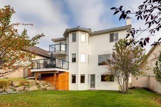Photo 2: 627 Sierra Morena Place SW in Calgary: Signal Hill Detached for sale : MLS®# A1042537
