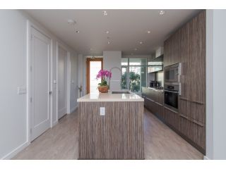 Photo 4: 413 77 WALTER HARDWICK AVENUE in Vancouver West: Home for sale : MLS®# R2014359