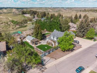 Photo 1: For Sale: 1635 Scenic Heights S, Lethbridge, T1K 1N4 - A1113326