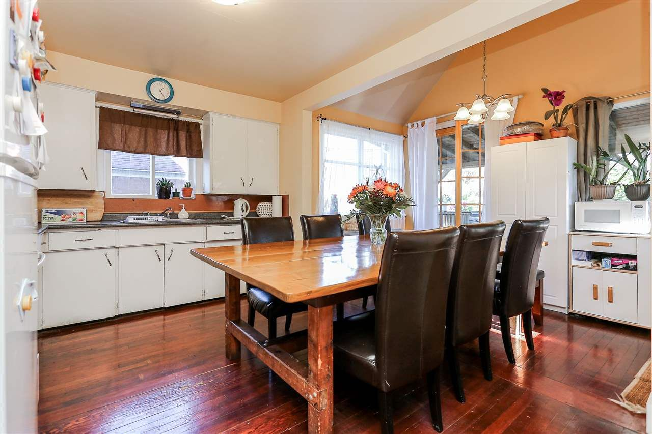 Photo 7: Photos: 4420 NANAIMO Street in Vancouver: Collingwood VE House for sale (Vancouver East)  : MLS®# R2006921