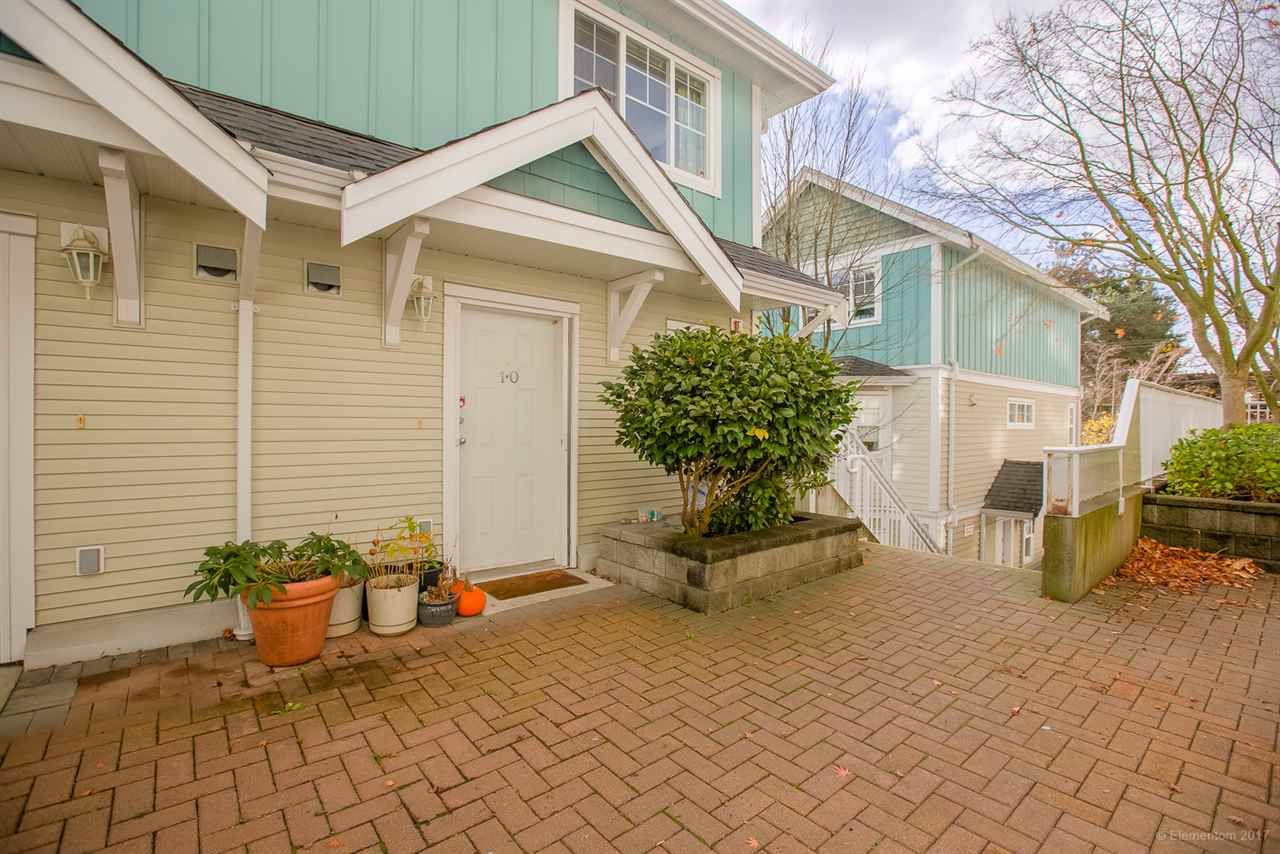 """Main Photo: 10 123 SEVENTH Street in New Westminster: Uptown NW Townhouse for sale in """"ROYAL CITY TERRACE"""" : MLS®# R2223388"""