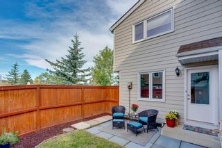 Photo 12: 14 3620 51 Street SW in Calgary: Glenbrook Row/Townhouse for sale : MLS®# C4265108