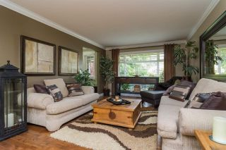Photo 4: 18449 68 Avenue in Surrey: Cloverdale BC House for sale (Cloverdale)  : MLS®# R2163355