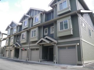 """Main Photo: 122 3382 VIEWMOUNT Drive in Port Moody: Port Moody Centre Townhouse for sale in """"LILIUM VILLAS"""" : MLS®# R2465147"""