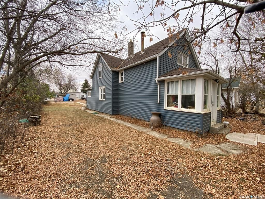 Main Photo: 211 Aberdeen Street in Elbow: Residential for sale : MLS®# SK831414