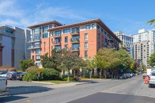 Photo 2: 505 827 Fairfield Rd in Victoria: Vi Downtown Condo for sale : MLS®# 884957
