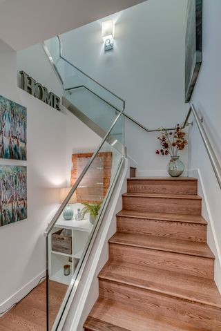 "Photo 15: 717 108 E 1ST Avenue in Vancouver: Mount Pleasant VE Condo for sale in ""MECCANICA"" (Vancouver East)  : MLS®# R2231947"