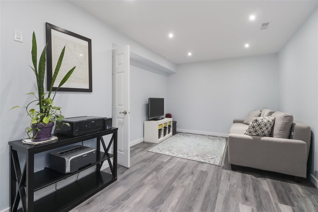 """Photo 18: Photos: 8881 LARKFIELD Drive in Burnaby: Forest Hills BN Townhouse for sale in """"PRIMROSE HILL"""" (Burnaby North)  : MLS®# R2494951"""