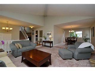 Photo 4: 4434 Greentree Terr in VICTORIA: SE Gordon Head House for sale (Saanich East)  : MLS®# 604436