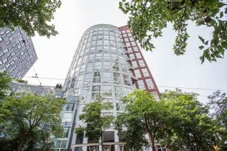 """Photo 1: 809 933 SEYMOUR Street in Vancouver: Downtown VW Condo for sale in """"The Spot"""" (Vancouver West)  : MLS®# R2594727"""