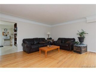 Photo 3: 3398 Hatley Dr in VICTORIA: Co Lagoon House for sale (Colwood)  : MLS®# 674855