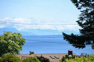 Photo 3: 2267 Seabank Rd in : CV Courtenay North Land for sale (Comox Valley)  : MLS®# 876071