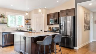 Photo 8: 2140 Southeast 15 Avenue in Salmon Arm: HILLCREST House for sale (SE SALMON ARM)  : MLS®# 10235702
