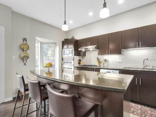 """Photo 7: 8 3750 EDGEMONT Boulevard in North Vancouver: Edgemont Townhouse for sale in """"THE MANOR AT EDGEMONT"""" : MLS®# R2141171"""