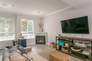 """Photo 4: 46 2728 CHANDLERY Place in Vancouver: Fraserview VE Townhouse for sale in """"RIVERSIDE GARDENS"""" (Vancouver East)  : MLS®# R2243522"""