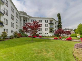 Photo 2: 308 2890 POINT GREY Road in Vancouver: Kitsilano Condo for sale (Vancouver West)  : MLS®# R2265750