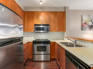 "Photo 3: 1306 4655 VALLEY Drive in Vancouver: Quilchena Condo for sale in ""ALEXANDRA HOUSE"" (Vancouver West)  : MLS®# R2133417"